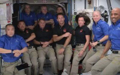 Ілон Маск - корабель SpaceX успішно доставив астронавтів на МКС