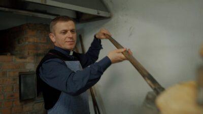 Священник з Львівщини працював за кордоном, щоб звести храм