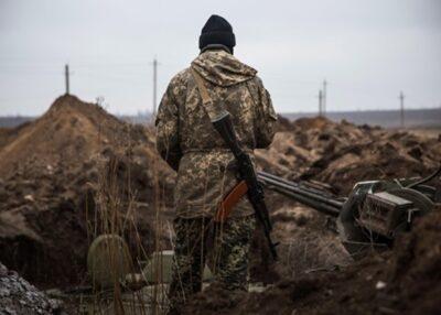 """З початку доби ворог 7 разів порушував """"тишу"""" на сході України, одного воїна поранили"""