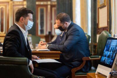 Зеленський доручив спрогнозувати динаміку COVID-19 восени 2021