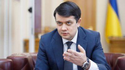 Разумков заявив, що Медведчук продовжує бути депутатом