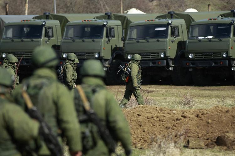 У штабі ЗСУ заявили, що біля кордонів України близько 80 тис. військ РФ
