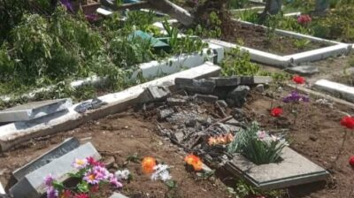 На Луганщині гібридні війська РФ зруйнували кладовище