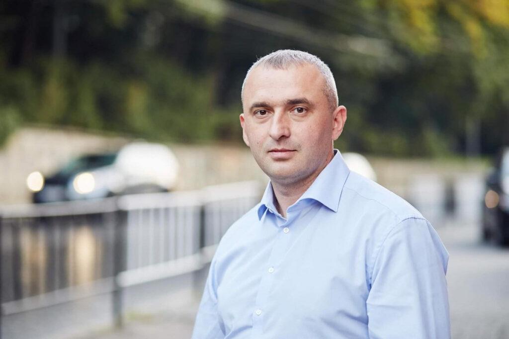 Батькам загиблих військових виплатять по 10 тисяч гривень