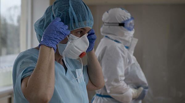 """Симптоми коронавірусу: експерти розповіли про """"ковідні нігті"""""""