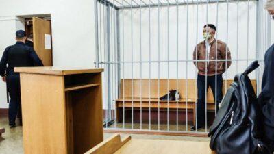 Білоруський опозиціонер намагався перерізати собі горло у суді