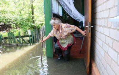 Через негоду в Дніпрі та Маріуполі затопило будинки