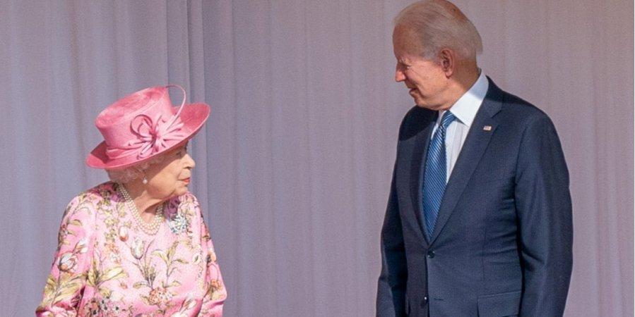 Президент США Байден порушив королівський протокол: як та коли