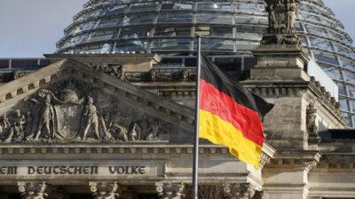 У Німеччині заявили, що не допомагатимуть зброєю Україні