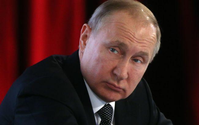 Путін виправдовується щодо стягнення військ до українського кордону