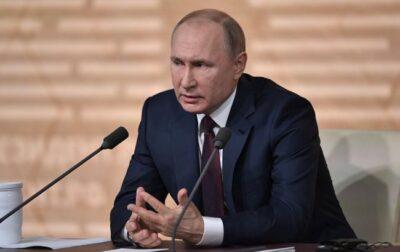 Путін звинуватив Україну у стягненні військової техніки на Донбас
