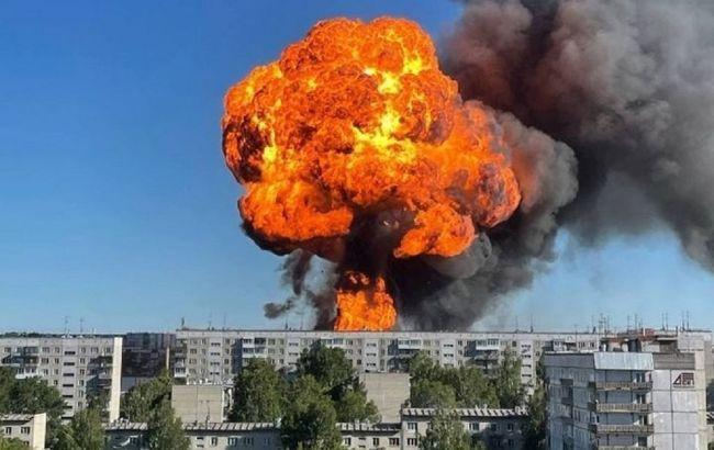Вибух у Росії на АЗС: є постраждалі, вогонь продовжують гасити